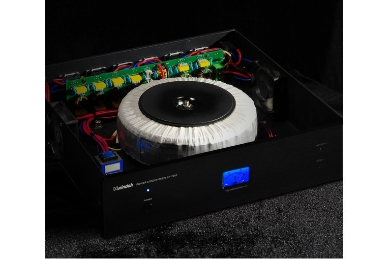 Xindak XF-2000E-1200 Condizionatore Rete